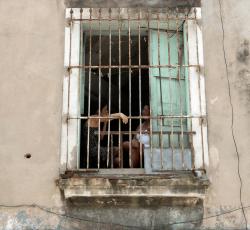 Hand in window, Havanna