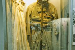 Hỏa Lò Prison, American (captive) flight, Hanoi suit and parachute